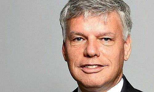 Ex-Vorstand wehrt sich gegen Bonusrückzahlung