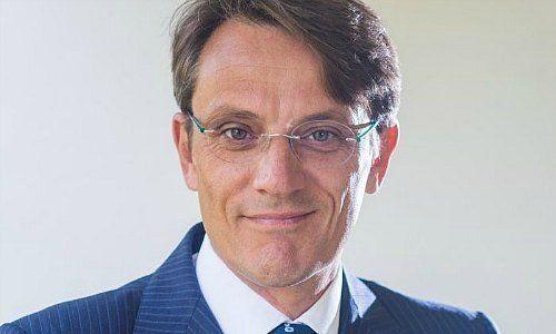 Deutsche-Bank-Claudio-de-Sanctis-bl-st-zum-Angriff-im-europ-ischen-Private-Banking