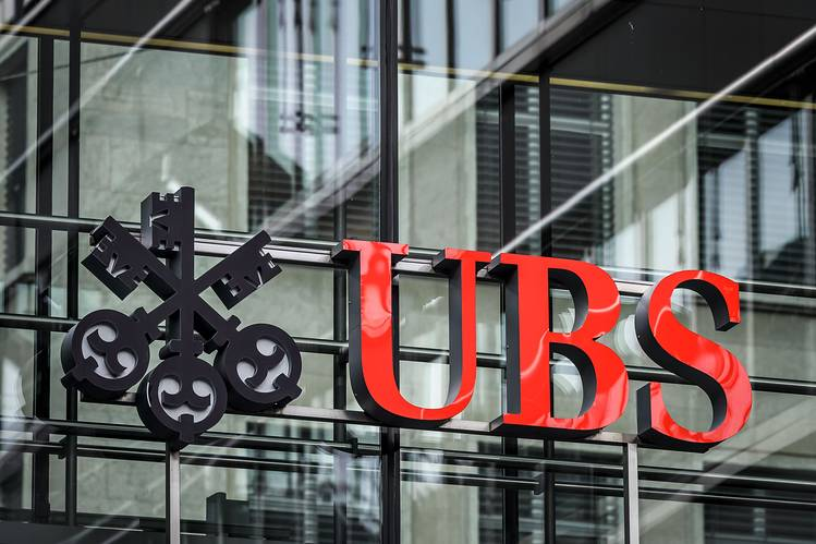 UBS to Go Ahead With Dividend